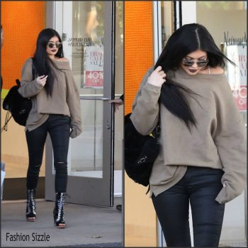 kylie-jenner-spotted-shopping-november-2015-1024×1024