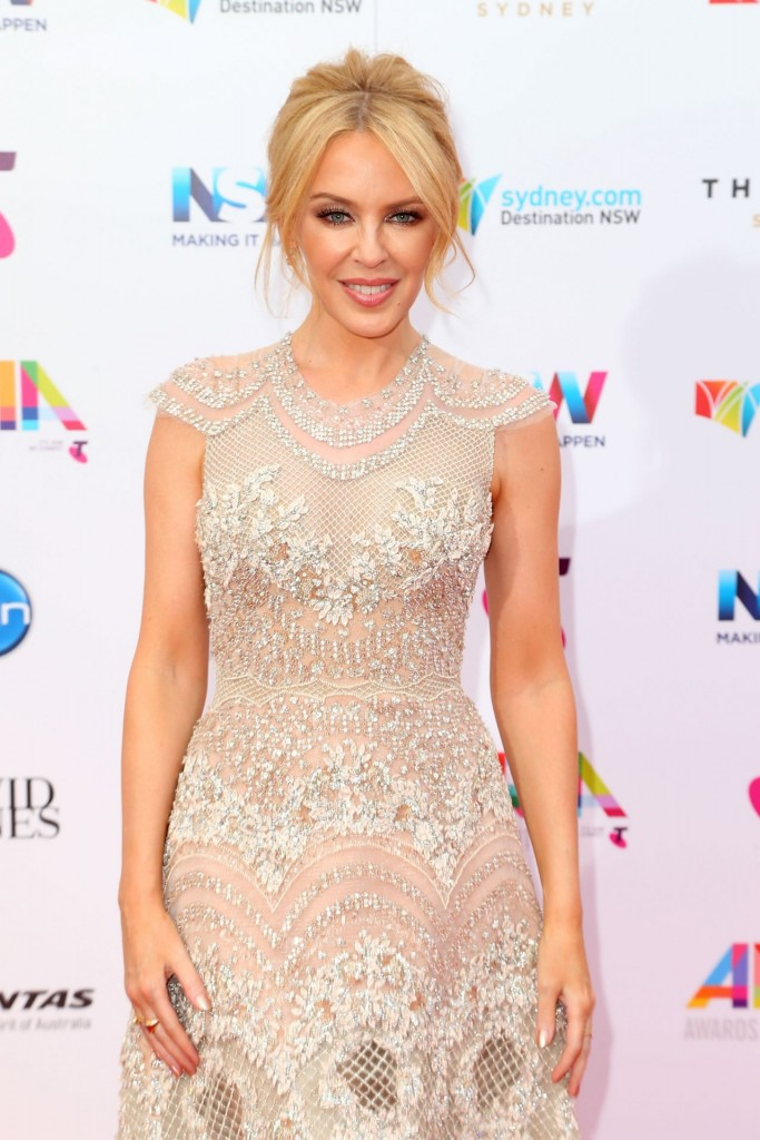 kylie-minogue-2015-aria-awards-in-sydney_2