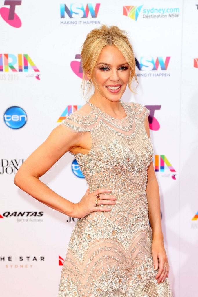 kylie-minogue-2015-aria-awards-in-sydney_6