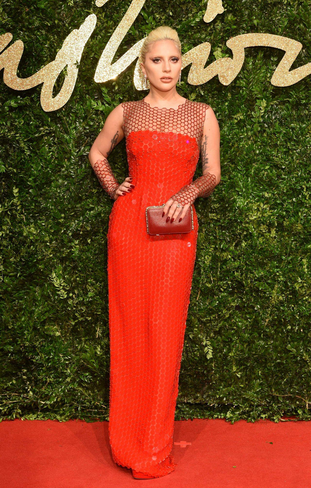 lady-gaga-british-fashion-awards-2015-at-london-coliseum_7