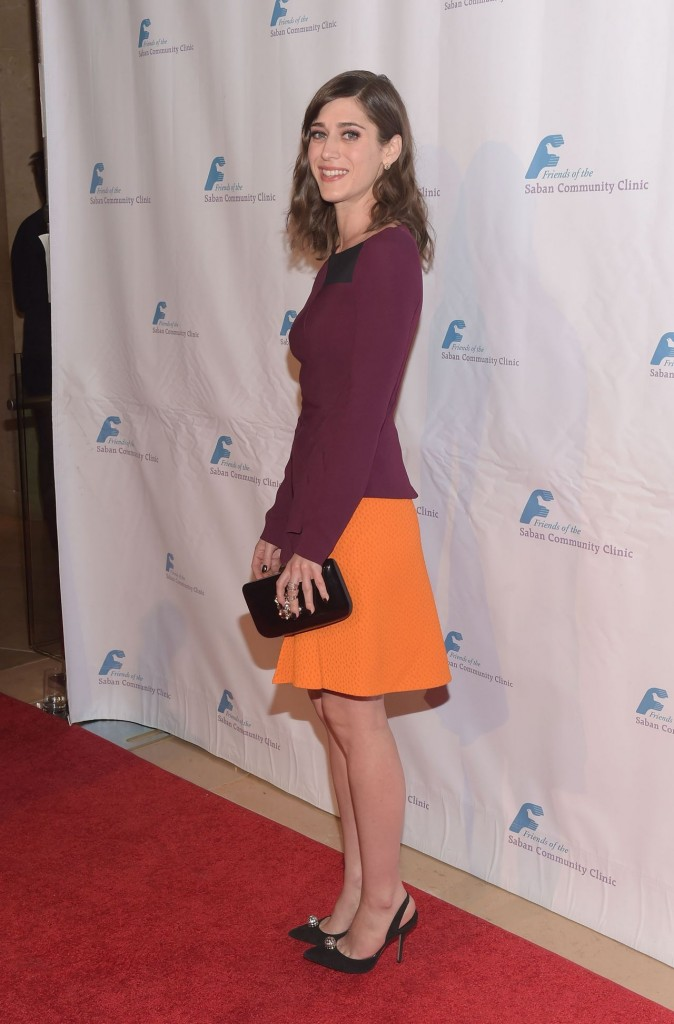 lizzy-caplan-saban-community-clinic-s-39th-annual-dinner-gala-in-beverly-hills_6
