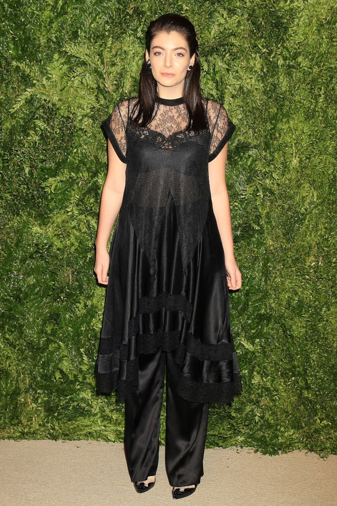 lorde-2015-cfda-vogue-fashion-fund-awards-in-new-york-city_2