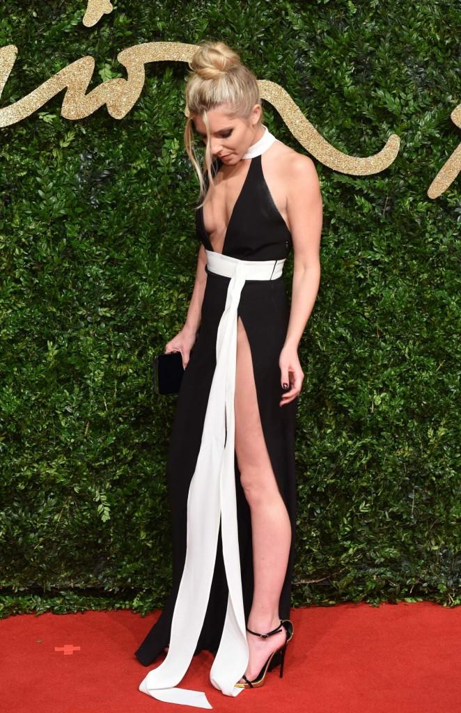 mollie-king-british-fashion-awards-2015-in-london_1