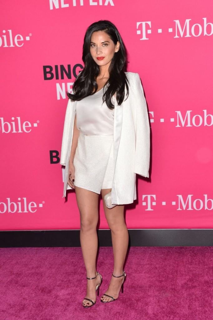 olivia-munn-at-t-mobile-un-carrier-x-11-10-2015_14