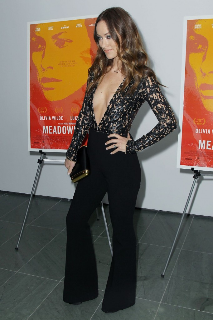 olivia-wilde-meadowland-screening-in-new-york_6