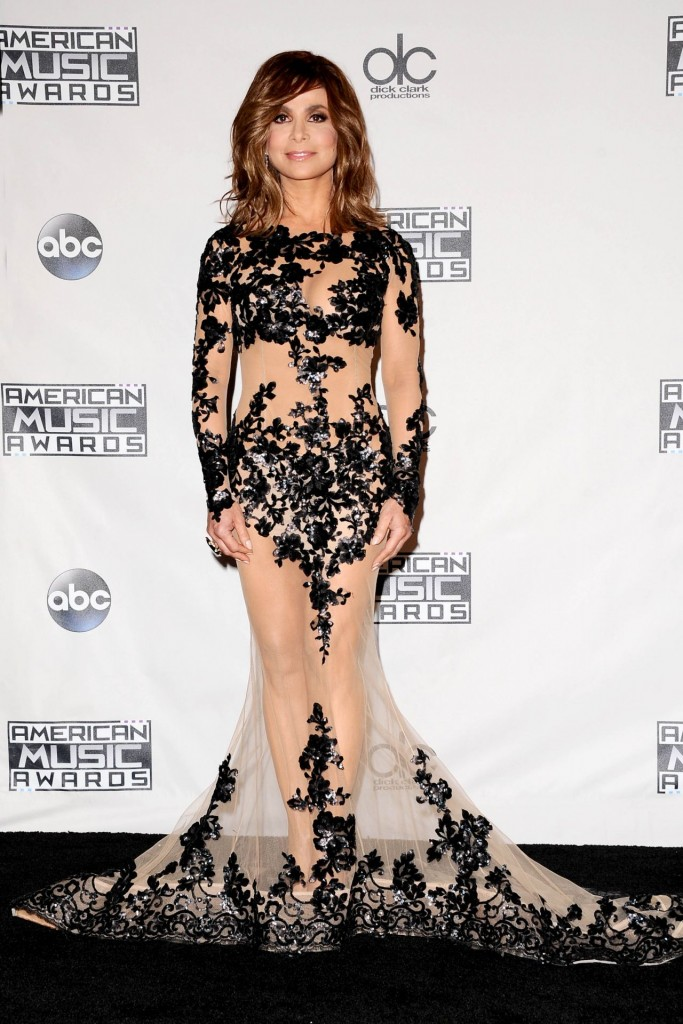 paula-abdul-2015-american-music-awards-press-room_1