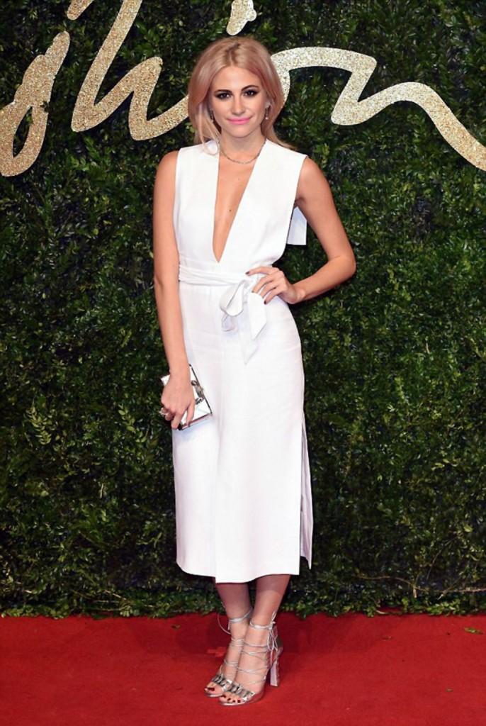 pixie-lott-british-fashion-awards-2015-at-london-coliseum_3