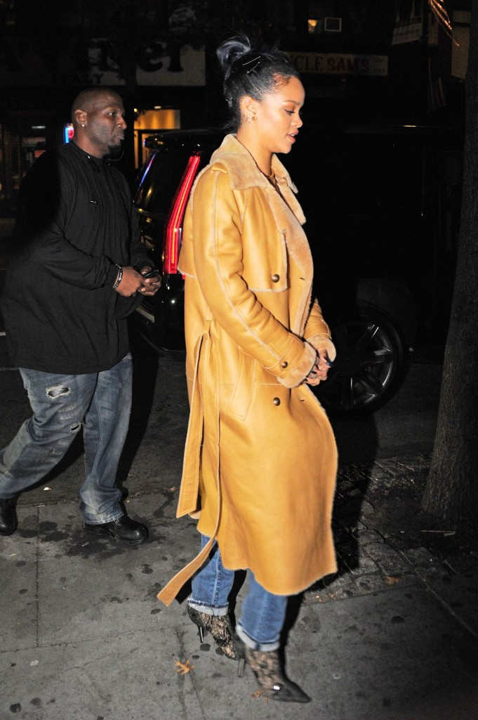 rihanna-style-sono-nightclub-in-the-west-village-november-2015_9