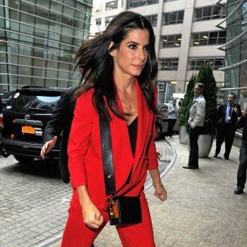 sandra-bullock-at-the-office-building-in-midtown-october-2015_1