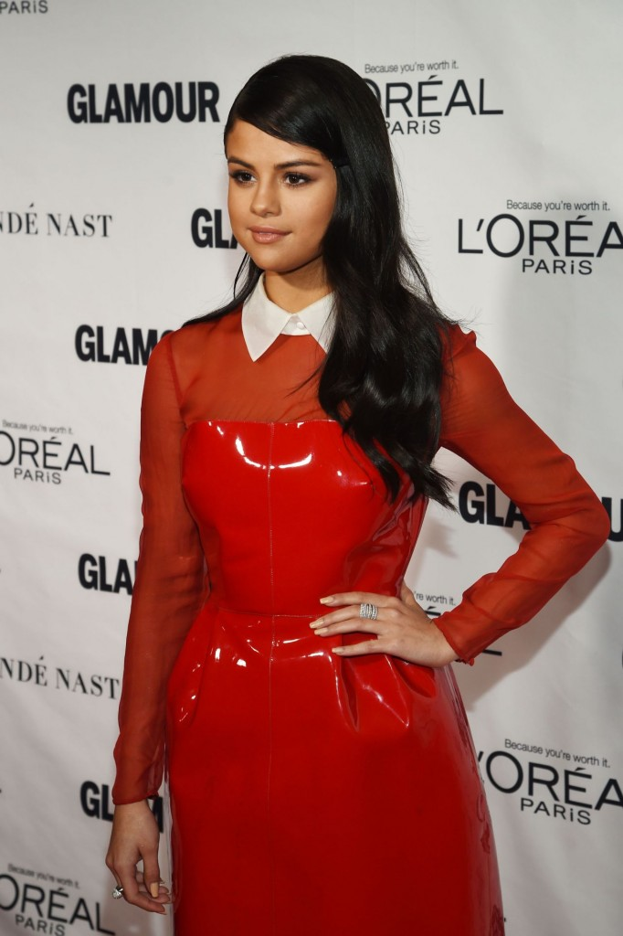 selena-gomez-2015-glamour-women-of-the-year-awards-in-new-york-city_14