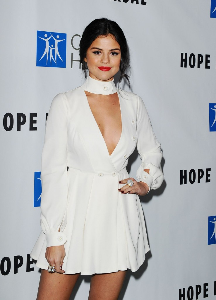 selena-gomez-2015-spirit-of-life-gala-in-los-angeles_12