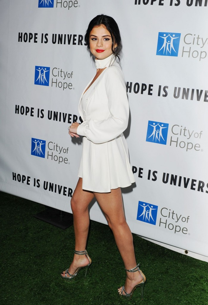 selena-gomez-2015-spirit-of-life-gala-in-los-angeles_13