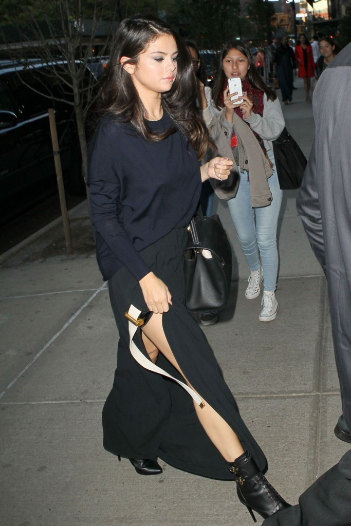 selena-gomez-at-the-greenwich-hotel-in-nyc-october-2015_4
