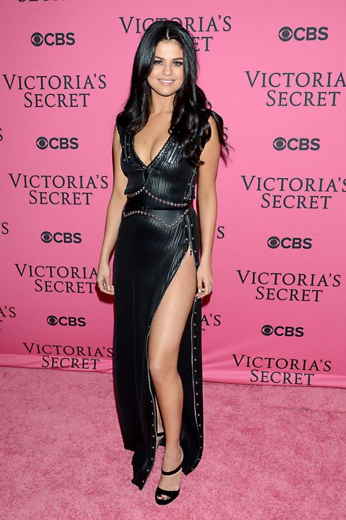 selena-gomez-victoria-s-secret-fashion-show-in-new-york-november-2015_1
