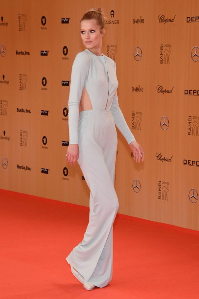 toni-garrn-at-bambi-awards-2015-in-berlin-11-12-2015_5