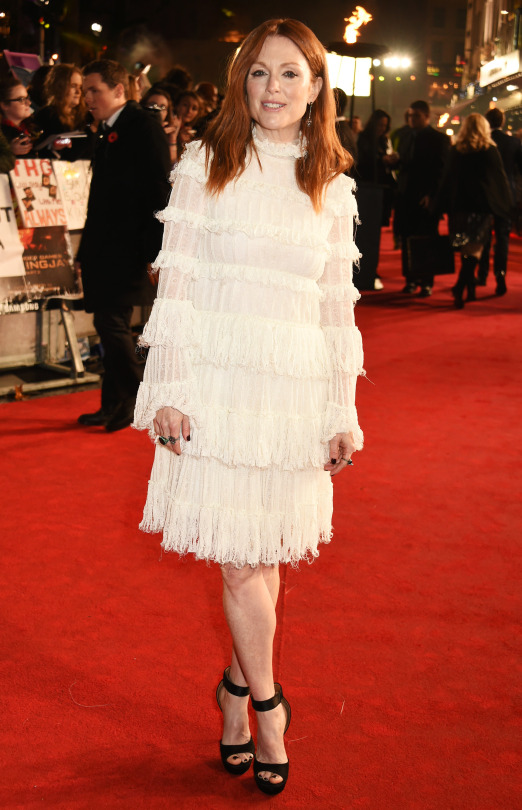 julianne-moore-in-alexander-mcqueen-the-hunger-games-mockingjay-part-2-london-premiere