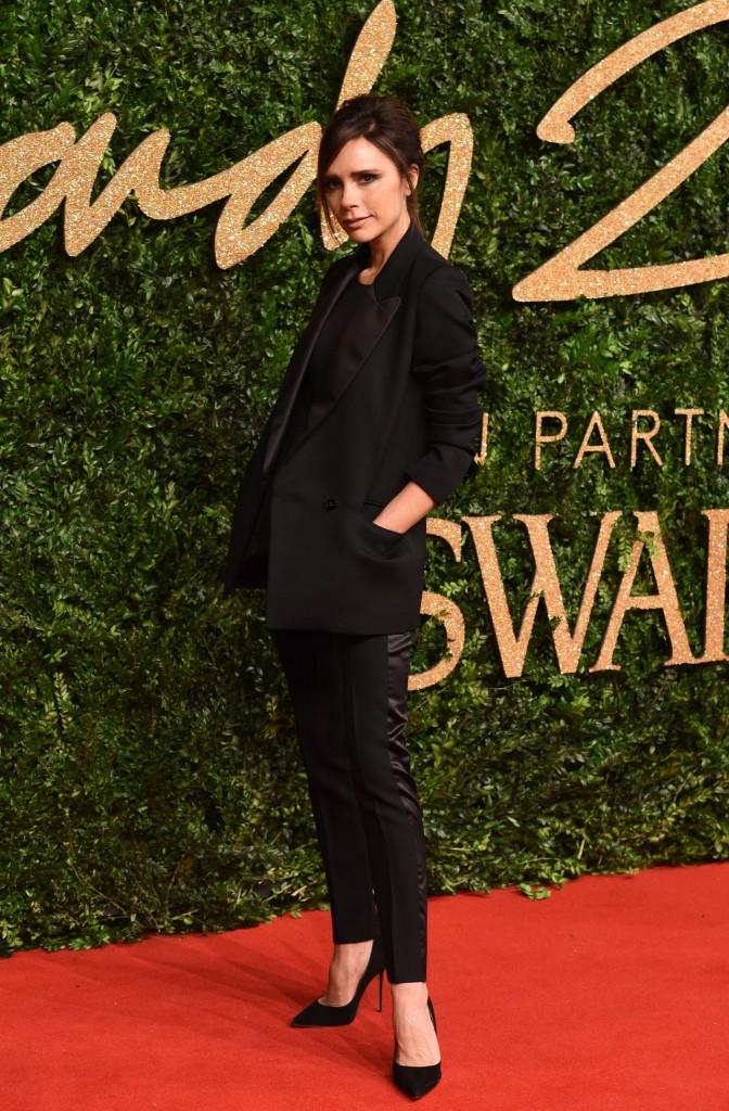 victoria-beckham-british-fashion-awards-2015-in-london_3