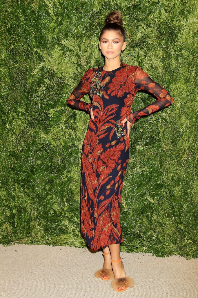 zendaya-2015-cfda-vogue-fashion-fund-awards-in-new-york-city_1
