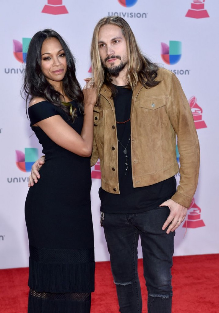 zoe-saldana-2015-latin-grammy-awards-in-las-vegas_4