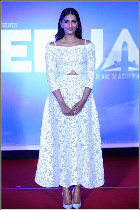 sonam-kapoor-in-ulyana-sergeenko-couture-at-neerja-trailer-launch