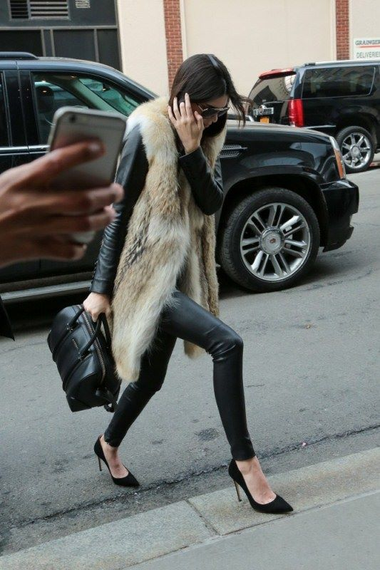 kendall-jenner-sleeveless-coat