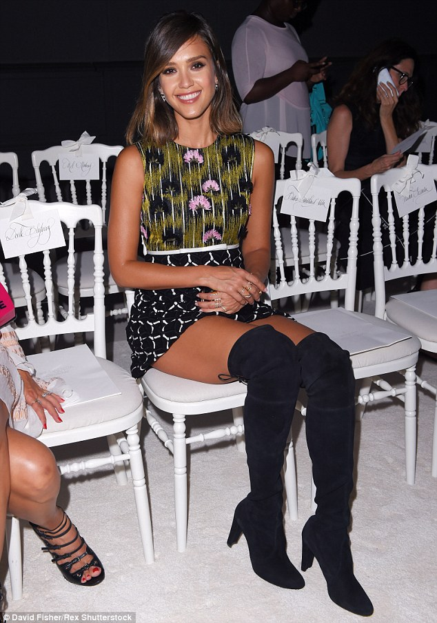 JESSICA-ALBA-IN-OVER-THE-KNEES-BOOTS