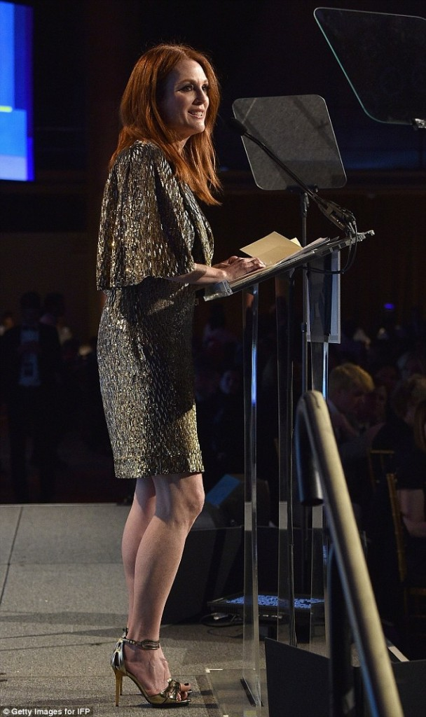 julianne-moore-in-saint-laurent-25th-ifp-gotham-independent-film-awards
