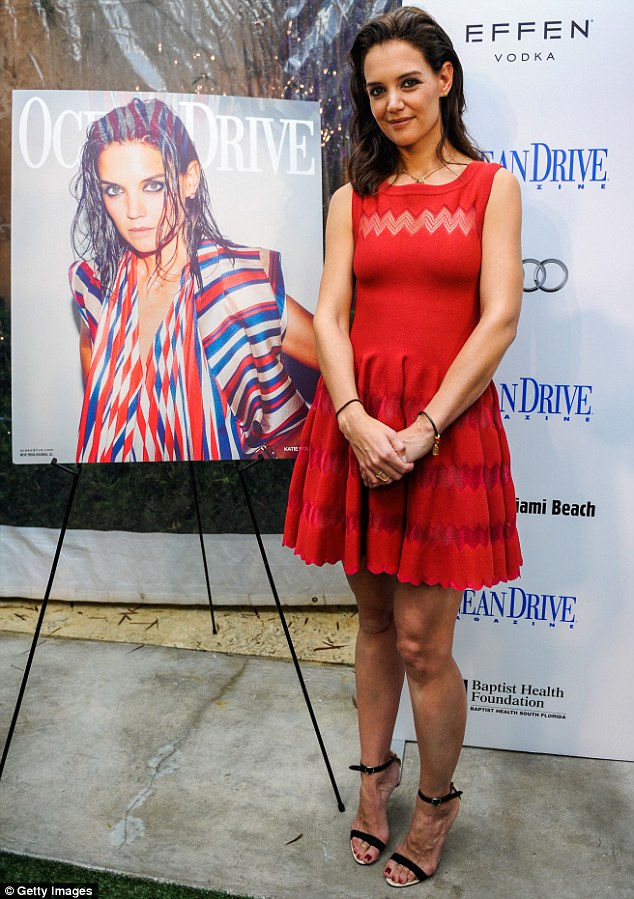 """katie-holmes-in-azzedine-alaia-at-her-ocean-drive-magazine-cover-celebration-during-</p"