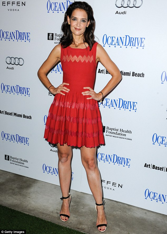 katie-holmes-in-azzedine-alaia-at-her-ocean-drive-magazine-cover-celebration-during-art-basel-in-miami