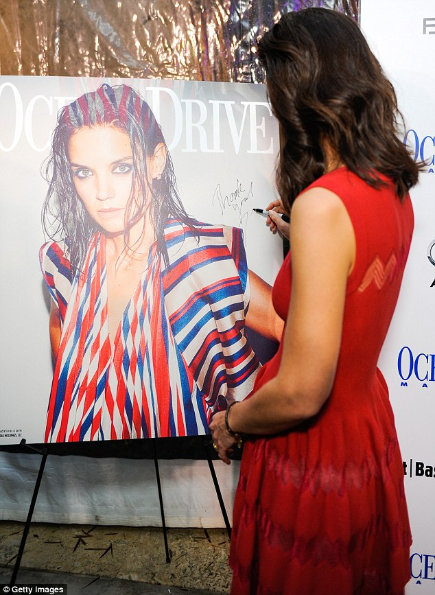 katie-holmes-in-azedine-alaia-at-her-ocean-drive-magazine-cover-celebration-at Art-Basel-in Miami