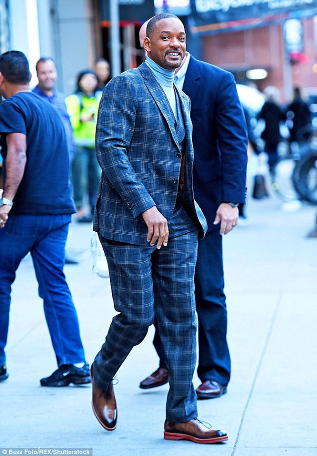 will-smith-wears-plaid-suit-concussion-new-york-premiere