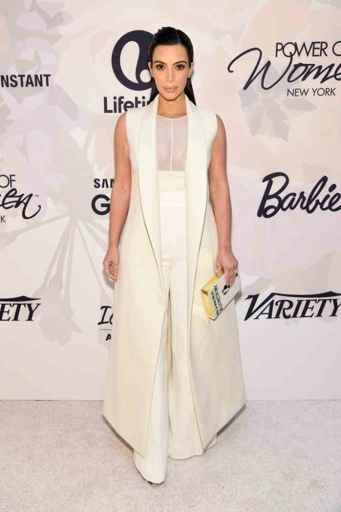 6-Kim-Kardashians-Variety-Power-of-Women-Event-Narciso-Rodriguez-Fall-2015-White-Bonded-Wool-Sleeveless-Coat-Silk-Top-and-Wool-Crepe-Pants-666x1000