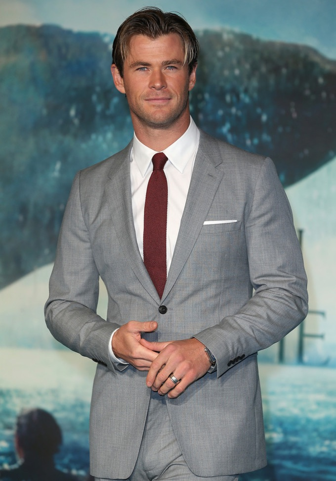 Chris-Hemsworth-2015-Style-Burberry-In-the-Heart-of-the-Sea-London-Premiere-001