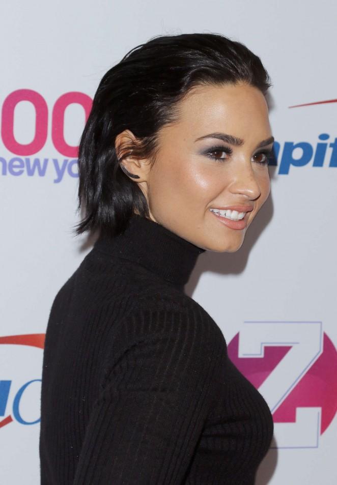 Demi-Lovato--Z100s-Jingle-Ball-2015--17-662x953