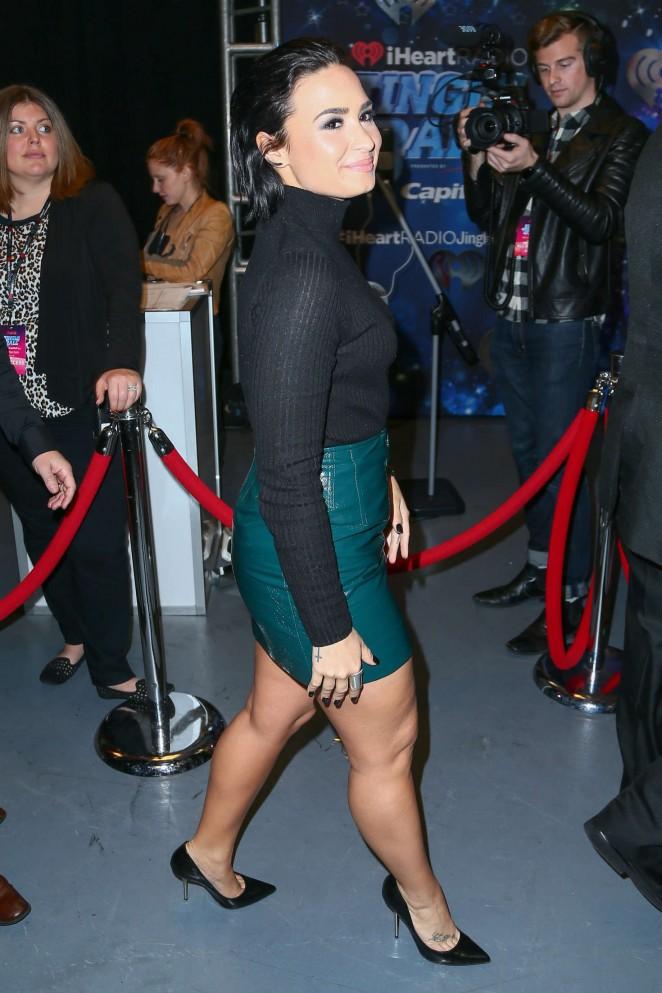 Demi-Lovato--Z100s-Jingle-Ball-2015--19-662x993