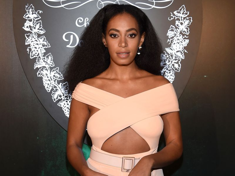solange-knowles-in-cushnie-et-ochs-at-the-from-earth-to-heart-party