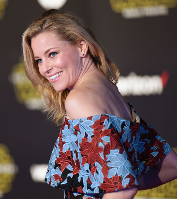 elizabeth-banks-in-elie-saab-at-s