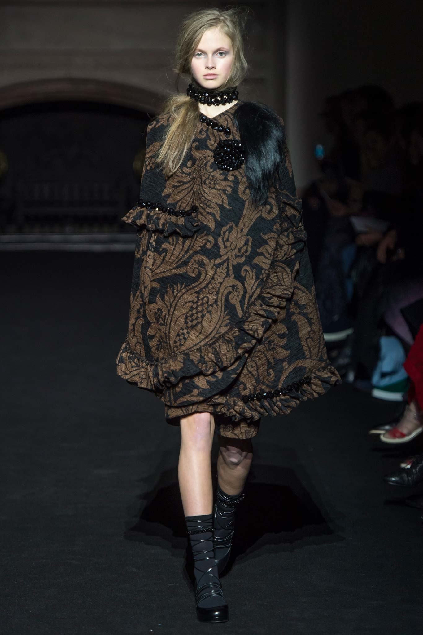 Simone -Rocha -fall-2105