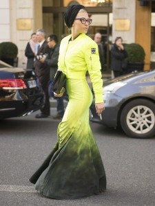 FASHION SIZZLER OF THE DAY – Paris  Fashion  Week 2015 Streetstyle