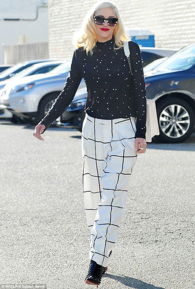 http://tomandlorenzo.com/2015/01/gwen-stefani-in-chloe-in-beverly-hills/