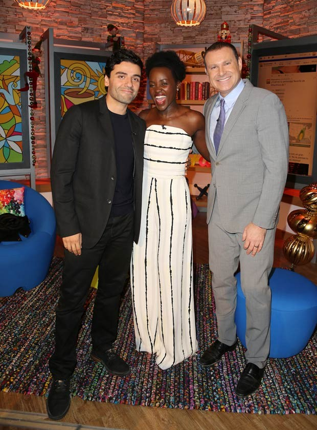 lupita-nyongo-in-christian-siriano-on-despierta-america-