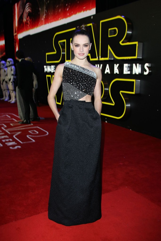 daisy-ridley-star-wars-the-force-awakens-premiere-in-london_1