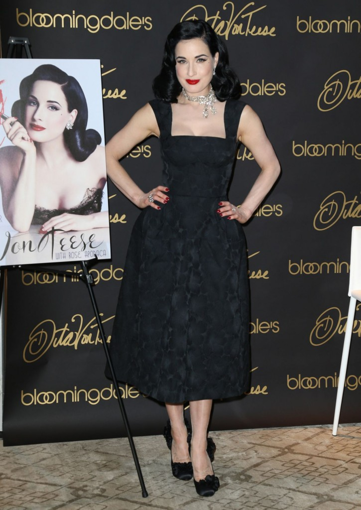 dita-von-teese-promote-her-new-book-your-beauty-mark-the-ultimate-guide-to-eccentric-glamour-in-nyc_3