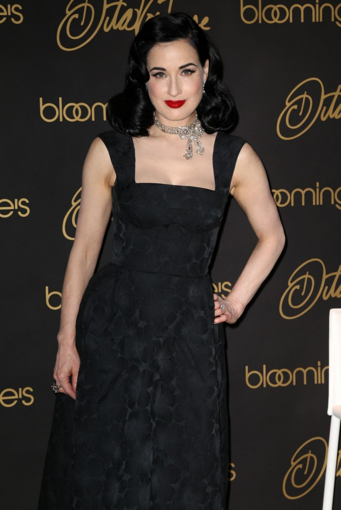 dita-von-teese-promote-her-new-book-your-beauty-mark-the-ultimate-guide-to-eccentric-glamour-in-nyc_4