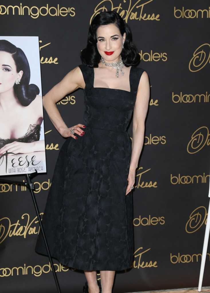 dita-von-teese-promote-her-new-book-your-beauty-mark-the-ultimate-guide-to-eccentric-glamour-in-nyc_5