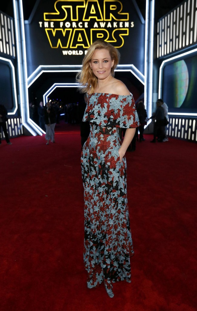 elizabeth-banks-star-wars-the-force-awakens-premiere-in-hollywood_1