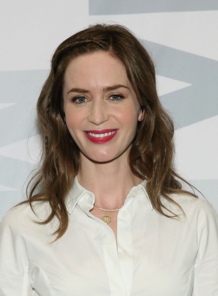 emily-blunt-sicario-screening-panel-discussion-in-new-york-city-12-15-2015_3