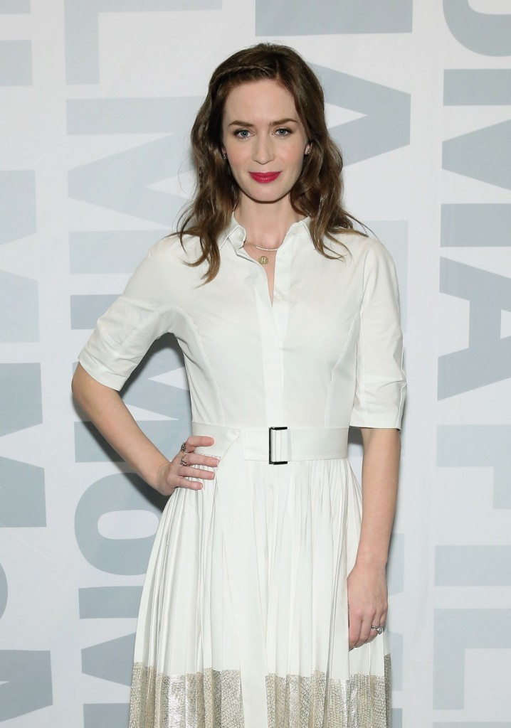 emily-blunt-sicario-screening-panel-discussion-in-new-york-city-12-15-2015_4
