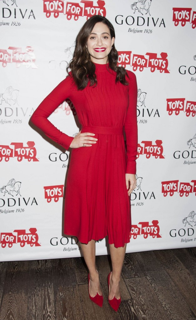 emmy-rossum-hosts-hot-chocolate-for-a-cause-benefit-in-new-york-city-november-2015_16