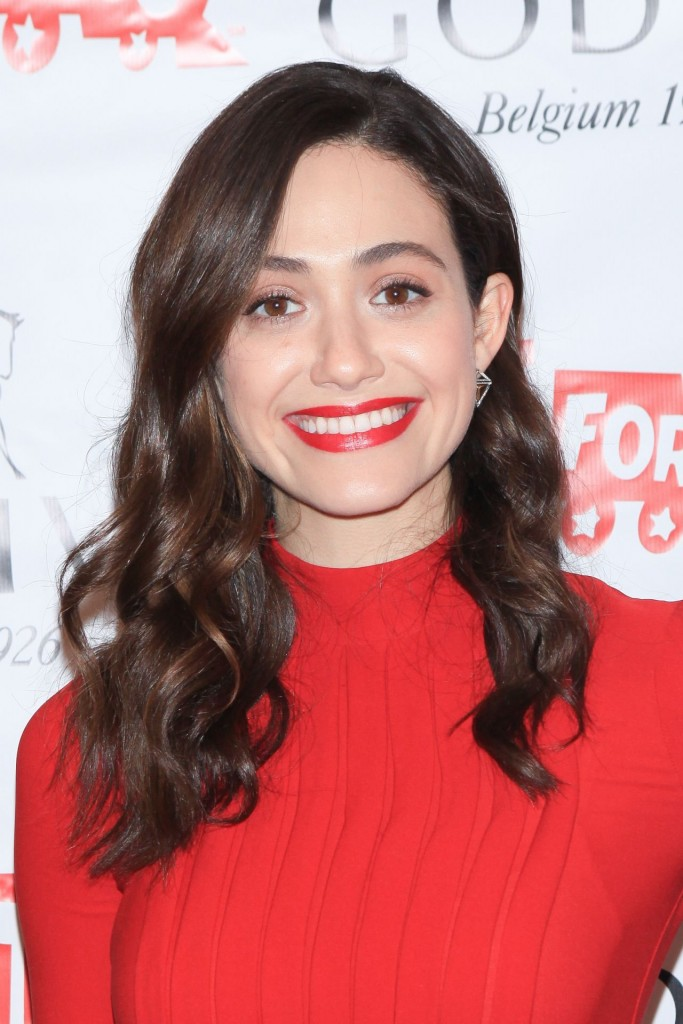 emmy-rossum-hosts-hot-chocolate-for-a-cause-benefit-in-new-york-city-november-2015_4
